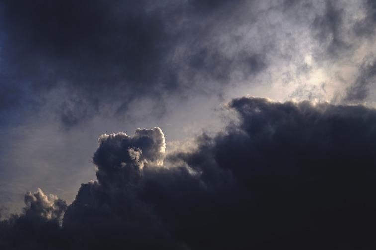clouds-1837145_1920
